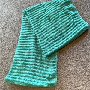 Teal knitted tube scarf